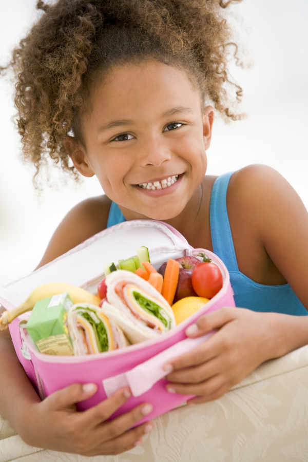 girl with healthy lunch box resized 600